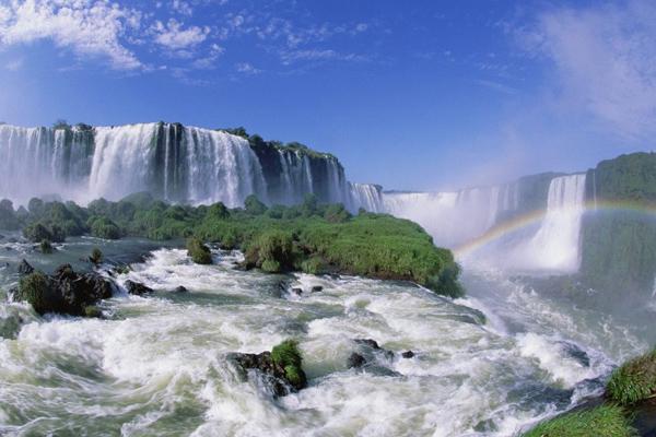 شلالات اجوازو بين البرازيل والأرجنتين