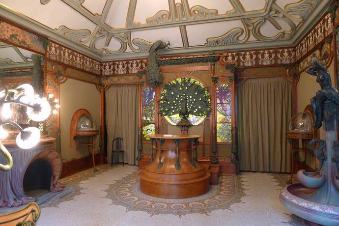 غرفة خاصة بالثورة الفرنسية