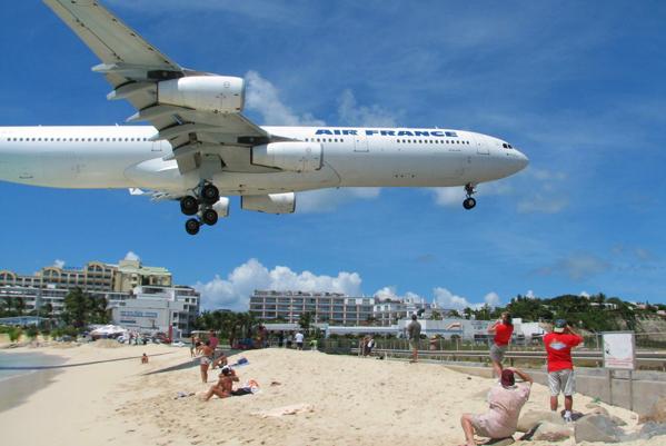 شاطئ ماهو، سان مارتن Maho Beach