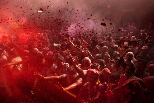 الهند بلد لا تنقصه الألوان، بل يبدو كلوحة فسيفساء متداخلة