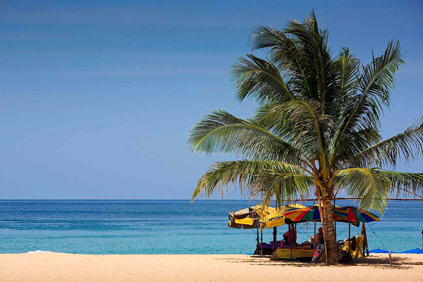 شاطئ كارون، فوكيت ـ تايلاند