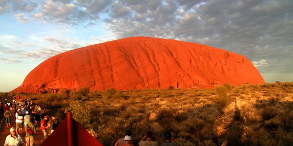 صخرة أولورو/ ايزر روك ـ أستراليا