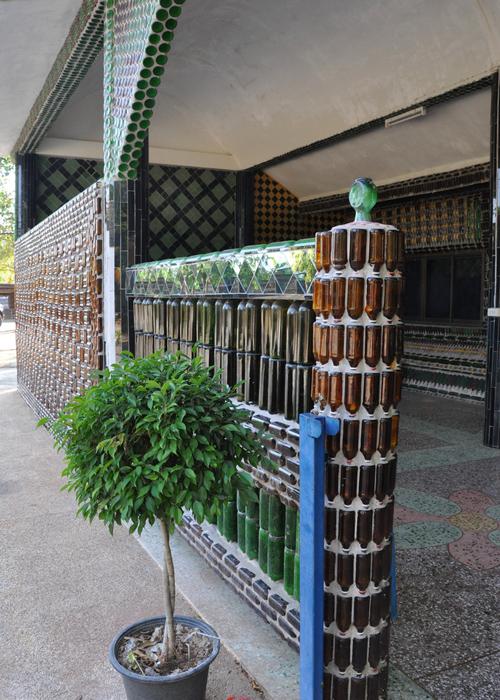 """معبد"""" وات با ماها خيدى كاو"""" أو معبد المليون زجاجة ـ تايلاند"""