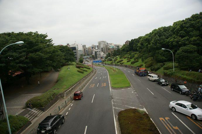 الطريق المؤدي إلى منتزه يويوجي