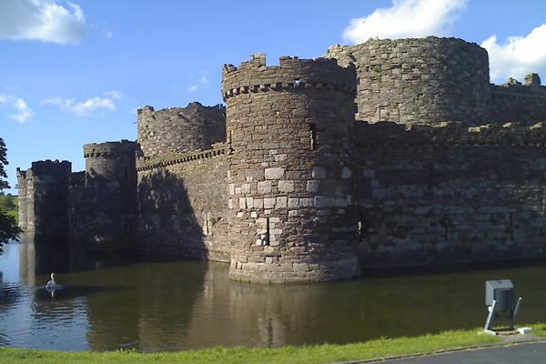 قلعة بيوماريس، أنجلسي
