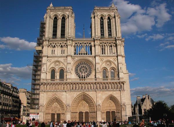 كاتدرائية نوتردام، باريس