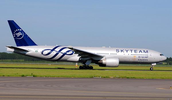 طائرة الخطوط السعودية بألوان تحالف سكاي تيم