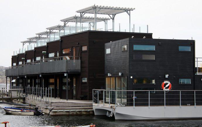 """فندق """"سولت أند سيل"""" العائم قبالة السواحل الغربية للسويد"""
