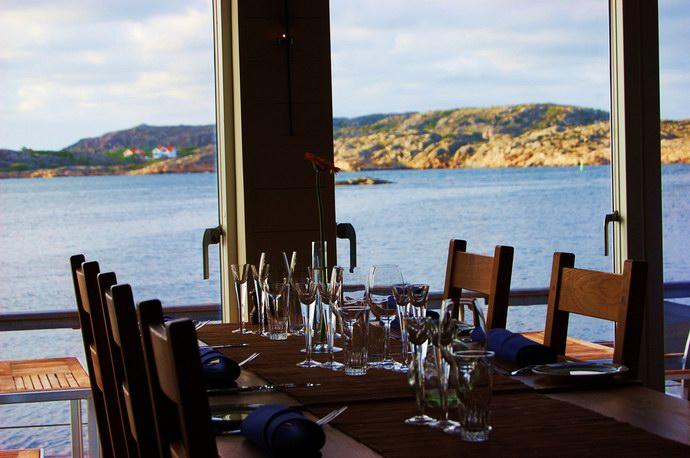 إطلالة المطعم على البحر