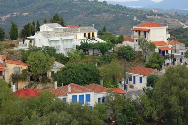 من المدينة القديمة في جزيرة ألونيسوس