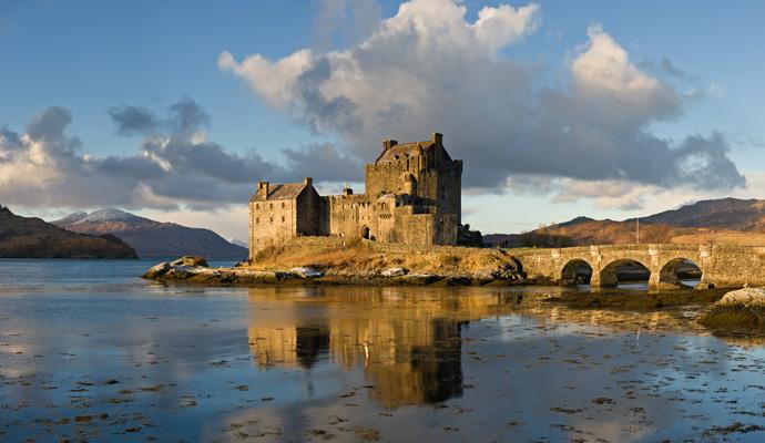 قلعة دونان من أشهر قلاع اسكتلتدا
