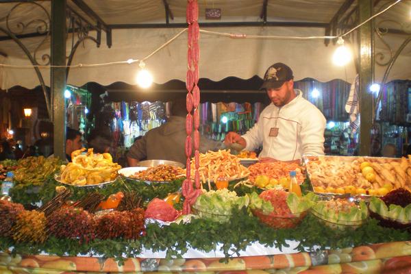 مأكولات مغربية شهية في ساحة جامع الفنا