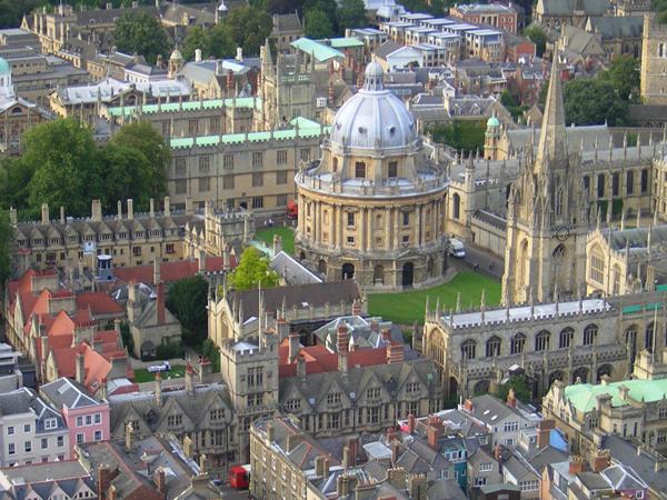 أكسفورد.. مدينة الأبراج الحالمة