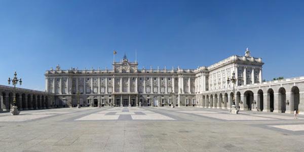 القصر الملكي في مدريد