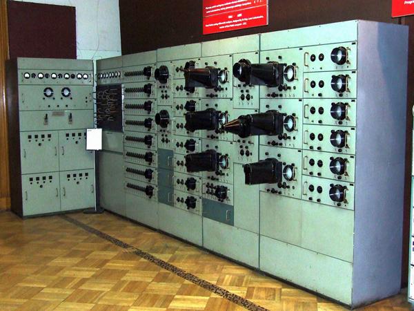 """يضم """"متحف وارسو للتكنولوجيا"""" متنيات تكنولوجية نادرة"""