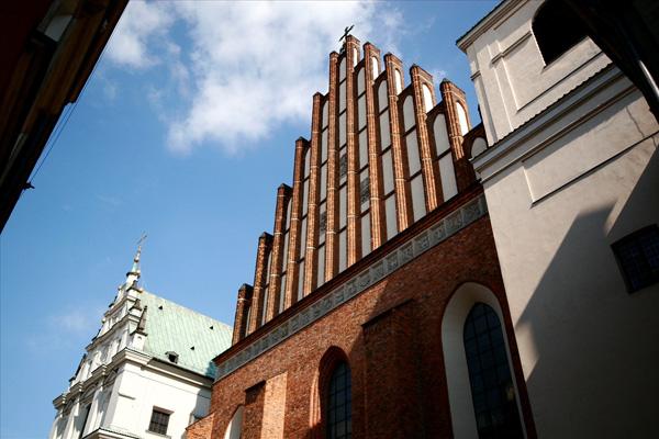 يعود التصميم الحالي لكاتدرائية سانت جون للقرن التاسع عشر
