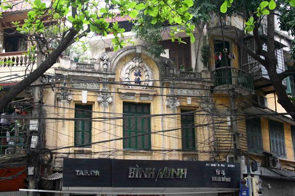 بنايات على النمط الأوروبيوالفرنسي في الجزء القديم من هانوي
