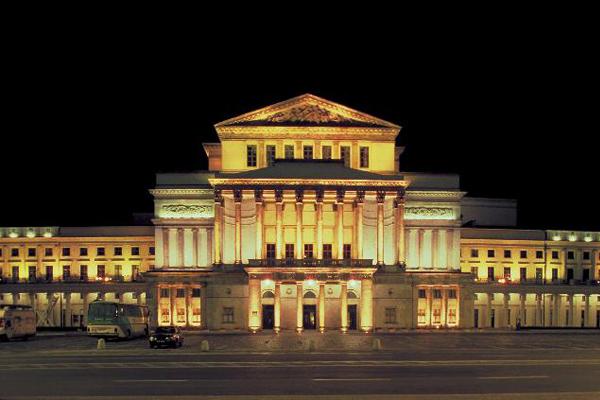 المسرح الكبير وأوبرا وارسو.. من بين الأكبر والأجمل في أوروبا