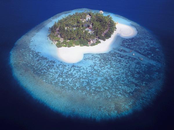 صورة جوية لإحدى جزر المالديف