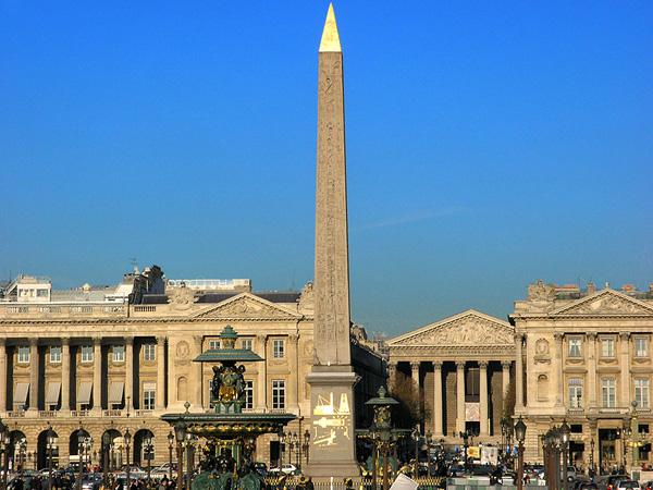 المسلة المصرية وسط ساحة الكونكورد