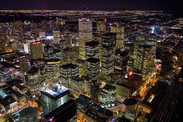 """صورة لمدينة تورنتو من أعلى برج """"سي إن"""""""