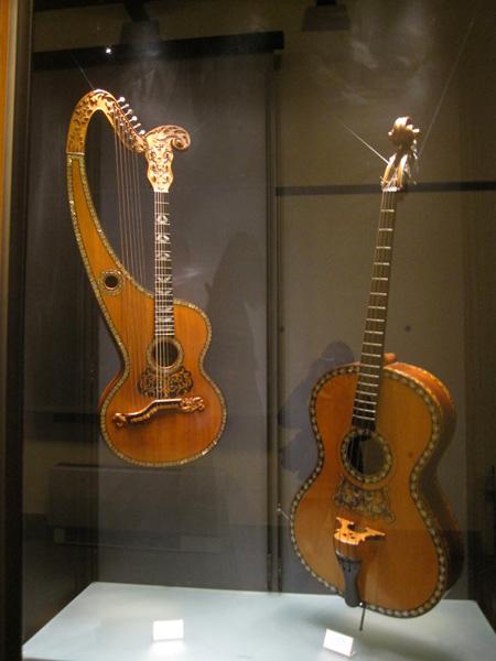 روعة التصميم حاضرة في متحف الالات الموسيقية العريقة