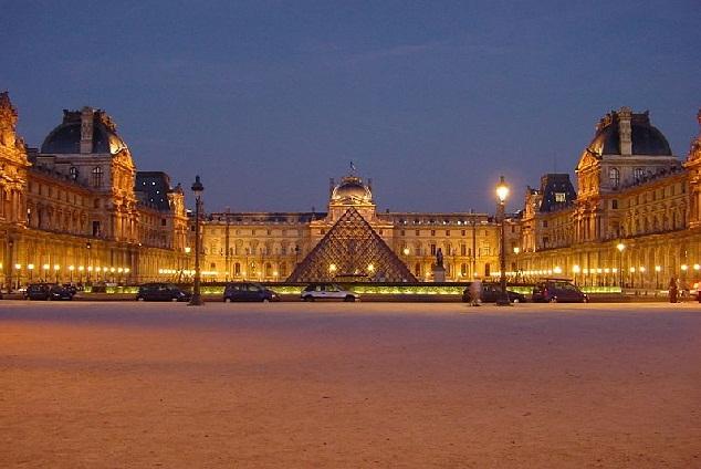 متحف اللوفر الفرنسى أهم المتاحف الفنية في العالم