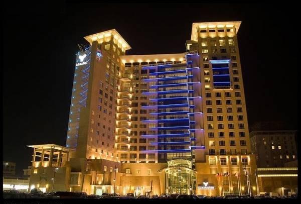 فندق ومجمع ابراج المنشر روتانا الكويت