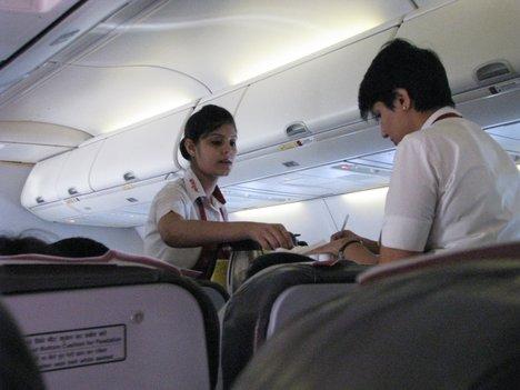 أشياء لا يجب أن تفعلها على متن الطائرة