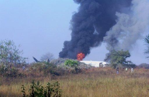 تحطم طائرة سياحية في بورما
