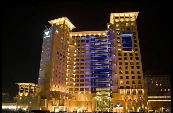 فندق المنشر روتانا بالكويت