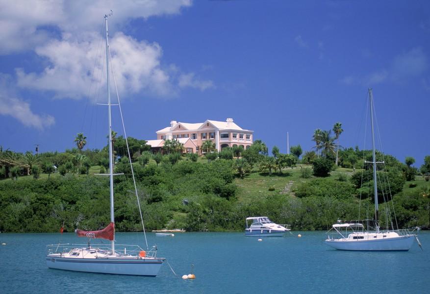 وفقا لترتيب مجلة فوربس.. جزر كايمان تتصدر والبحرين في المركز الثالث عشر بين أفضل دول العالم معيشة للمغتربين