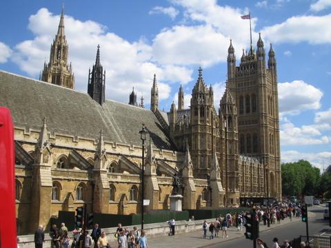 """السياحة البريطانية تروّج """"لعيد الحبّ"""" في المملكة المتحدة"""