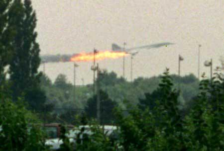 شهود: هبوط اضطراري لطائرة ركاب كينية في الخرطوم بسبب حريق في أحد محركاتها
