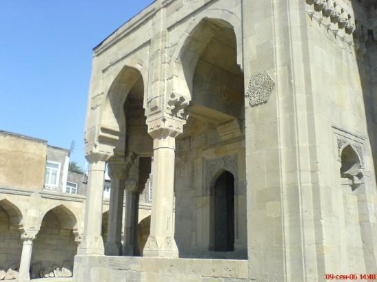 """أذربيجان.. """"أرض النار"""" وسياحة الأحلام المجهولة"""