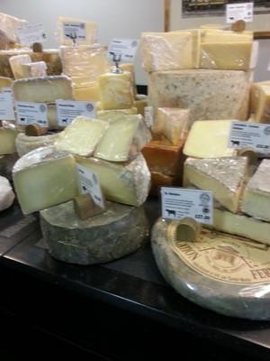 """زاوية من """"باكستون و ووتفيلد"""".. حيث يحظى عشاق الأجبان بما يتوقون إليه - خاص بموسوعة المسافر."""