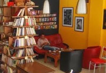 """افتتاح أول """"مقهى أدبي ثقافي"""" بدبي"""