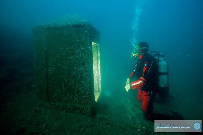 آثار المدينة متناثرة في أعماق البحر المتوسط في محيط منطقة أبو قير بالإسكندرية