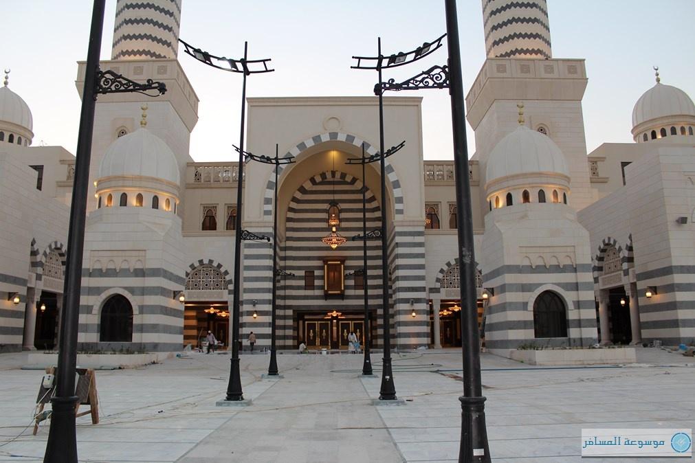 """افتتاح """"جامع عائشة الراجحي"""" في مكة بسِعة 47 ألف مصلٍّ"""