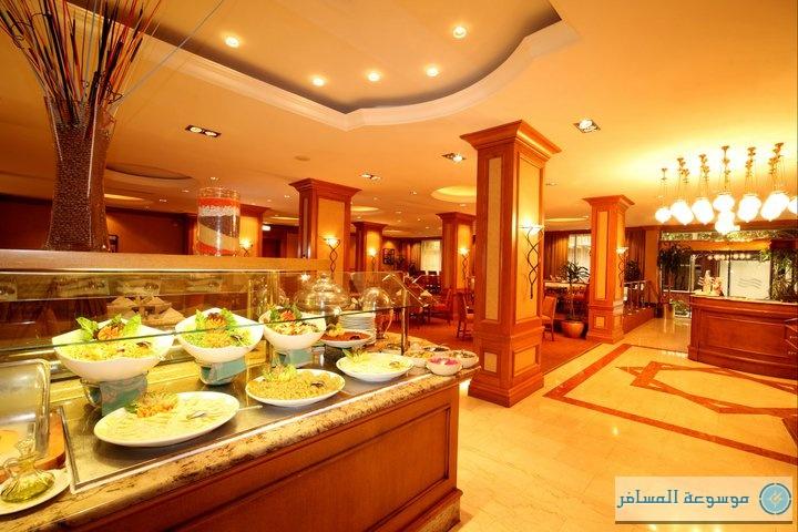 """فندق """"كراون بلازا """" جدة يقدم الفطور الفاخر في خيمة رمضانية"""