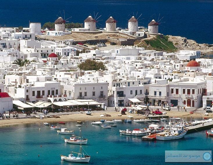 اليونان تتوقع جذب 17 مليون سائح في 2013