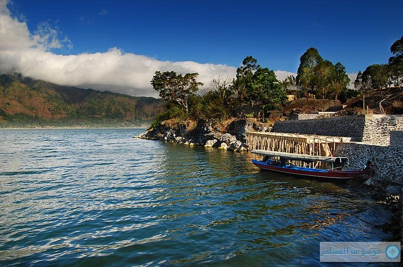 بحيرة باتور أكبر بحيرات جزيرة بالي