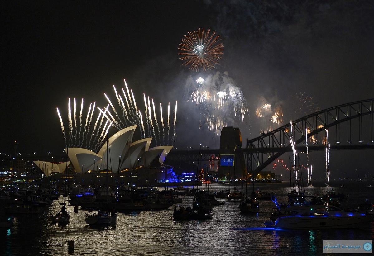 الالعاب النارية تنطلق من أشرعة دار الأوبرا ليلة رأس السنة سيدني 2014
