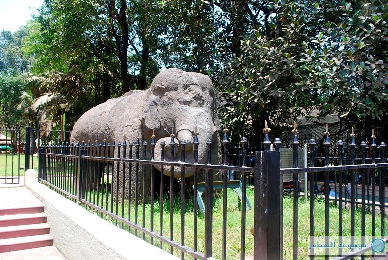 مومباي : الفيل المنحوت في جزيرة إيلفنتا