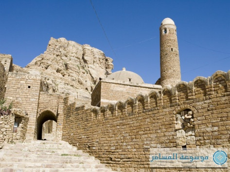 holger-leue-rock-wall-and-traditional-houses-thula-thilla-san-a-yemen