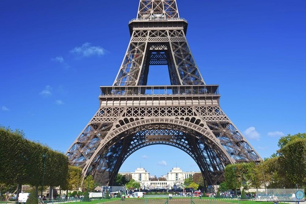 برج إيفل  فرنسا