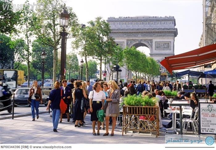 مقاهي الشانزليزية في باريس