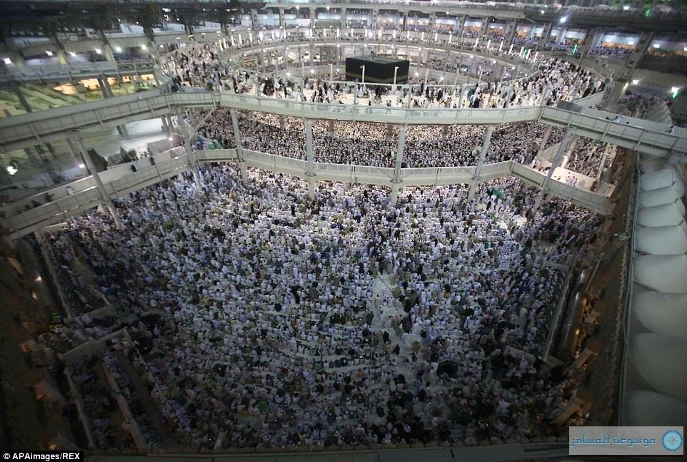 تجمع المسلمين استعدادا لموسم الحج