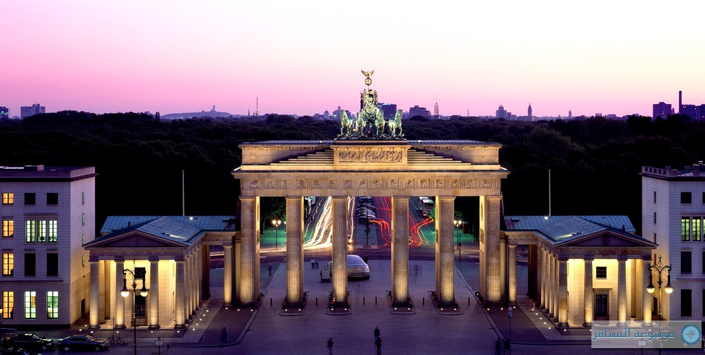 بوابة براندنبورغ أحد معالم مدينة برلين ألمانيا