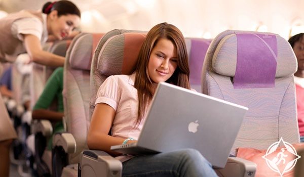 emirates-wi-fi-access الانترنت مجاناً على رحلات طيران الإمارات